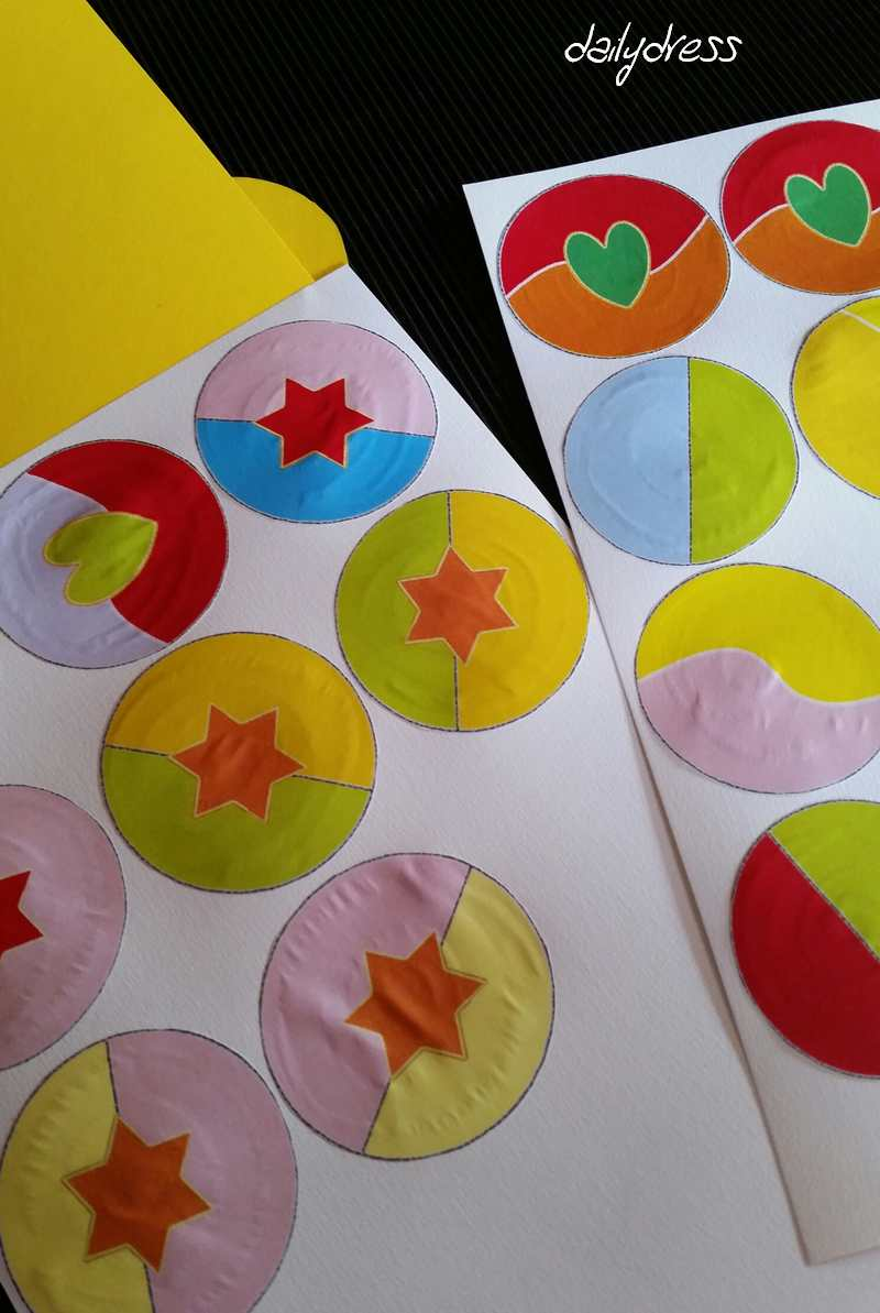 Lollipops auf festes Papier aufkleben