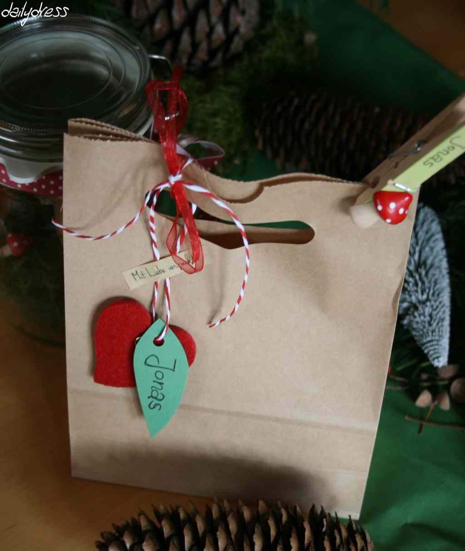 Give-Away-Tüte mit Namensanhänger