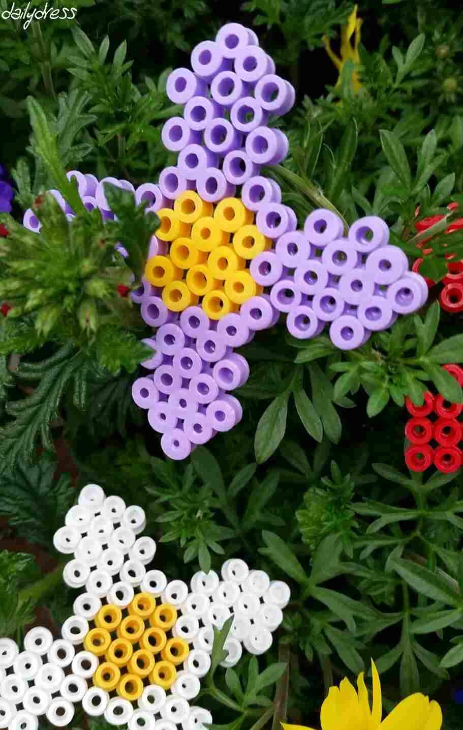 Bügelperlen sind vielseitig - wir haben Blumen daraus gemacht